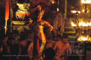 Kuta Fire Dance 61 12 wm.jpg