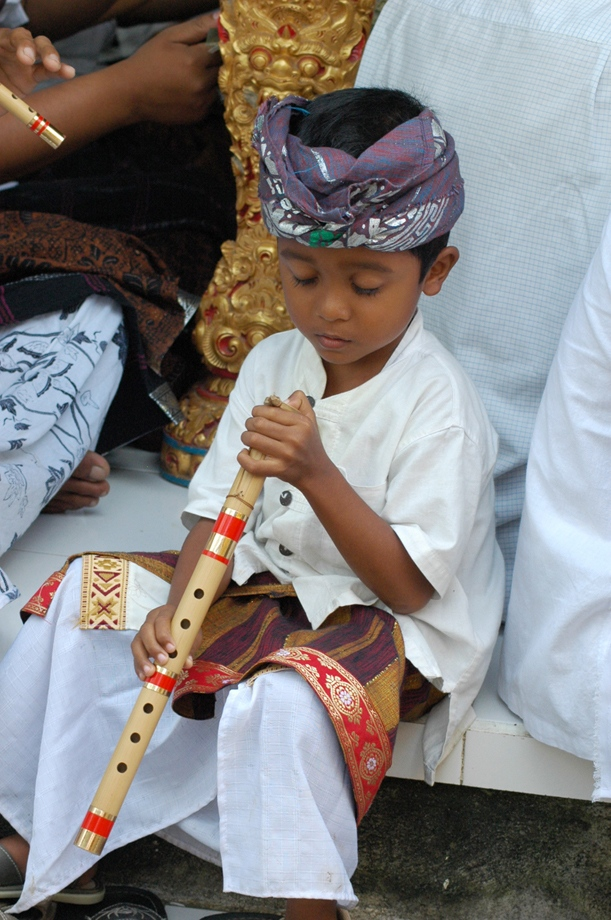 Boy w Flute