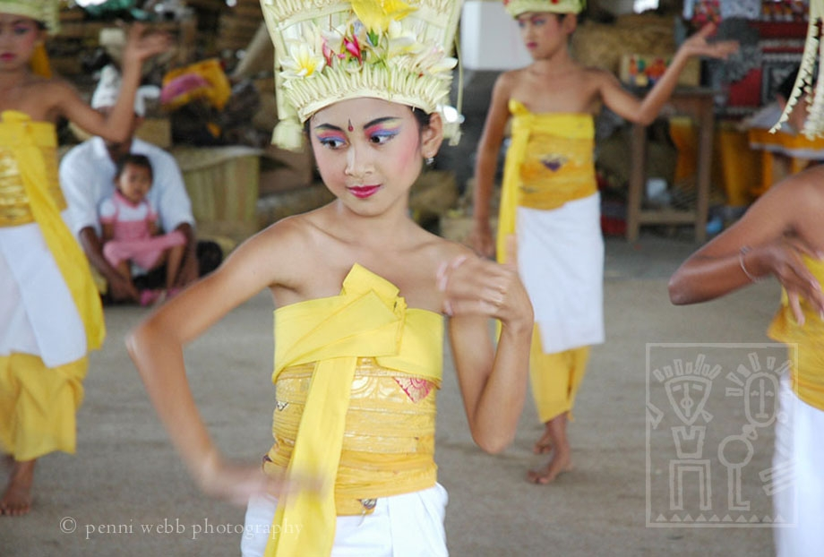 Dancers_in_Unison_2_w