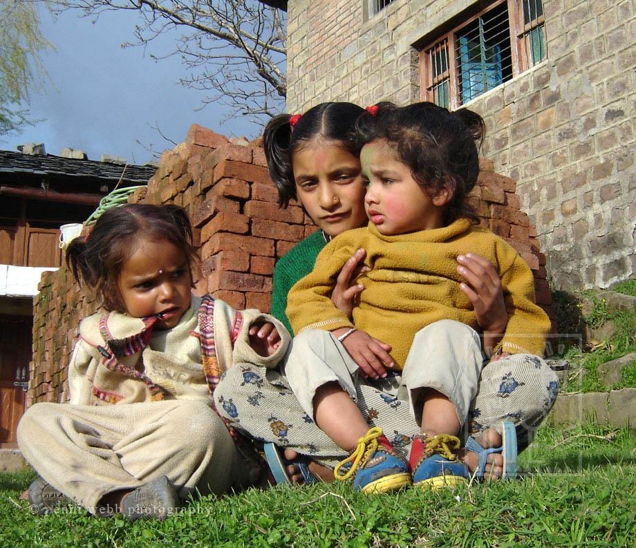 Naddi_Children,_India_wm