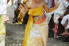 Dancing_Bali_Girl_0064_wm
