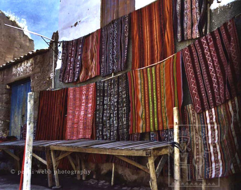 Pisac textiles