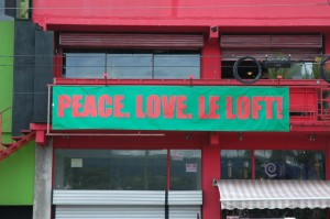 Beach Town - Love - Peace & Loft!